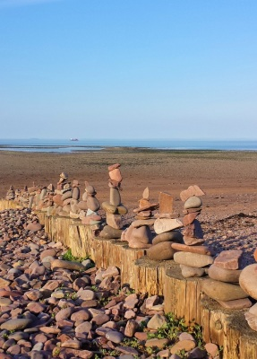 dunster beach holidays ltd, dunster beach holidays, holi moli chalet, salad days chalet, dunster chalet, Dunster, beach, hut, salad days, beach hut, chalet, dunster beach, seaside, stone stacks, beach art